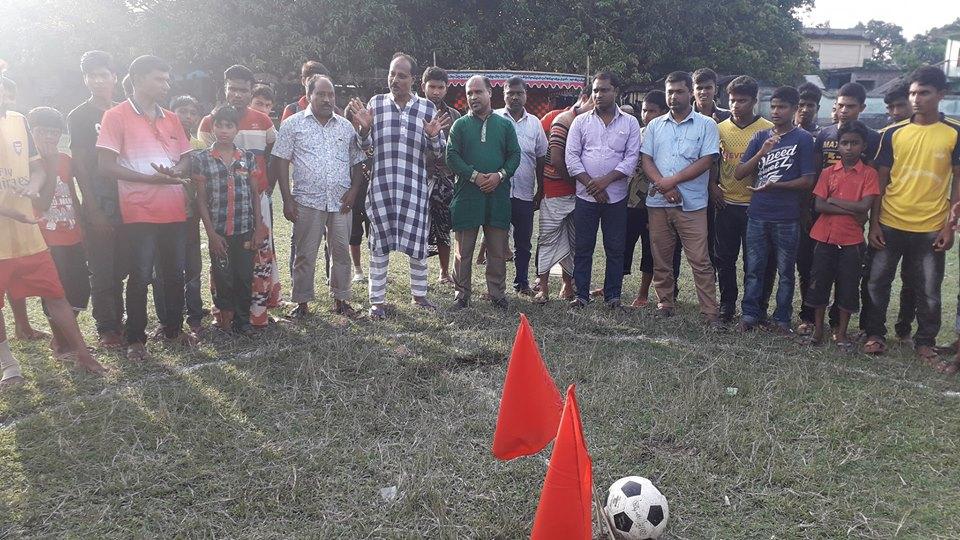 গোবরাতলায় মিনি ফুটবল টুর্ণামেন্টের উদ্বোধন